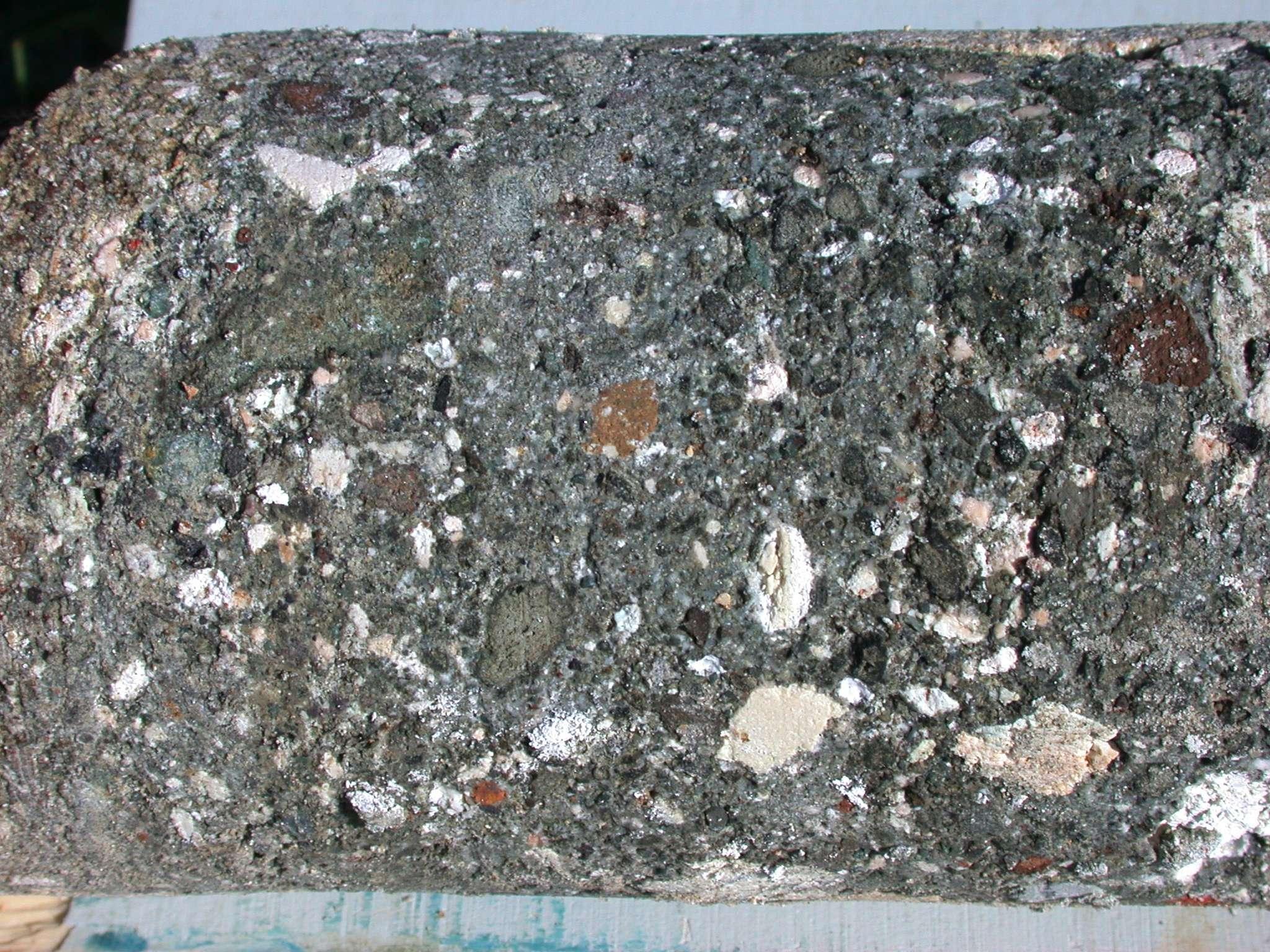 Pozzolana Cement Italy : Core cae det
